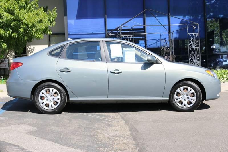 2010 HYUNDAI ELANTRA GLS 4DR SEDAN gray nice economical 36 mpg hwy first car  power windowsloc