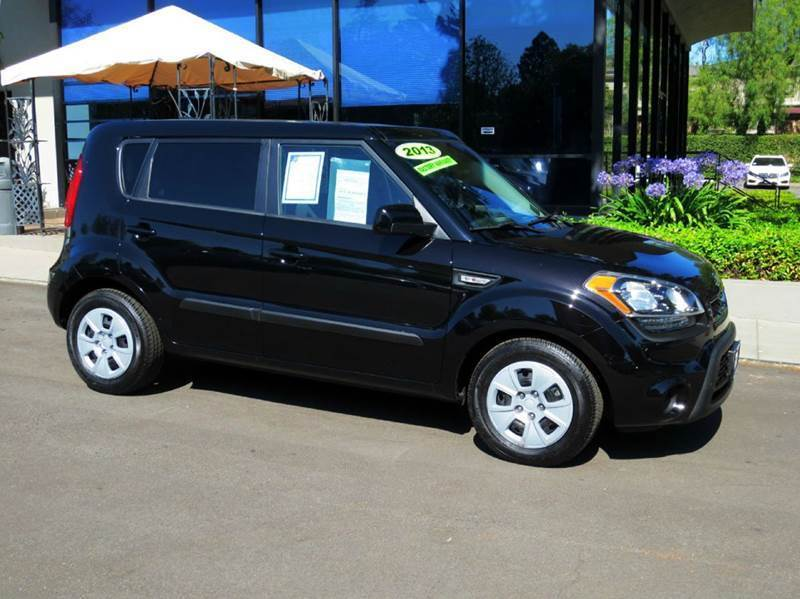 2013 KIA SOUL BASE 4DR WAGON 6A black sporty fun  mpg  carfax certified one owner  why pay m