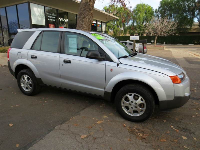 2003 SATURN VUE AWD 4DR SUV V6 silver look no more exceptionally clean and one owner all wheel