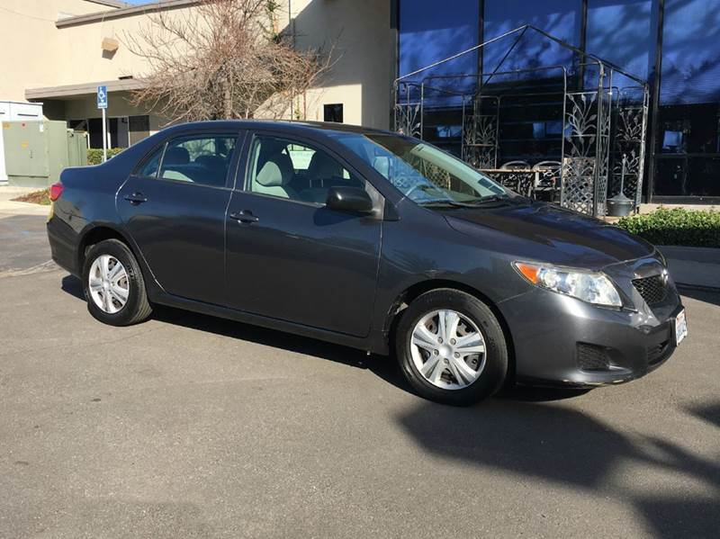 2009 TOYOTA COROLLA BASE 4DR SEDAN 4A gray extra clean reliable and  comfortable 5 star safety