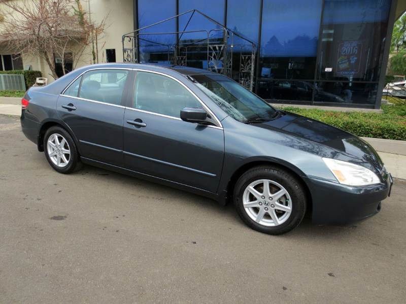 2004 HONDA ACCORD EX V-6 4DR SEDAN gray extra clean 1 owner  low mileage leather seating moon