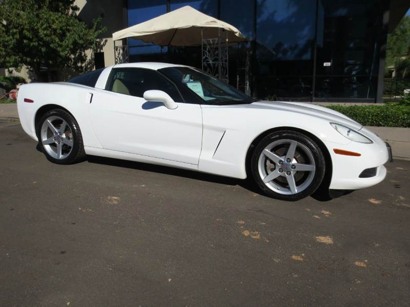 2005 CHEVROLET CORVETTE BASE 2DR COUPE white look no more extra low mileage remarkable bose sou