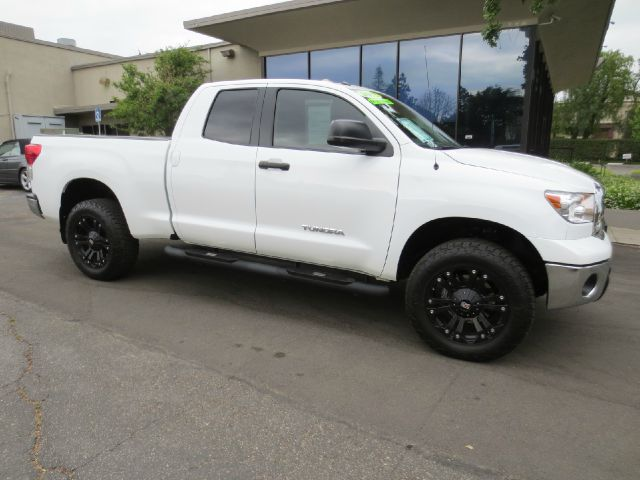 2013 TOYOTA TUNDRA GRADE 4X2 4DR DOUBLE CAB PICKUP white nicely equipped with  cold weather pkg
