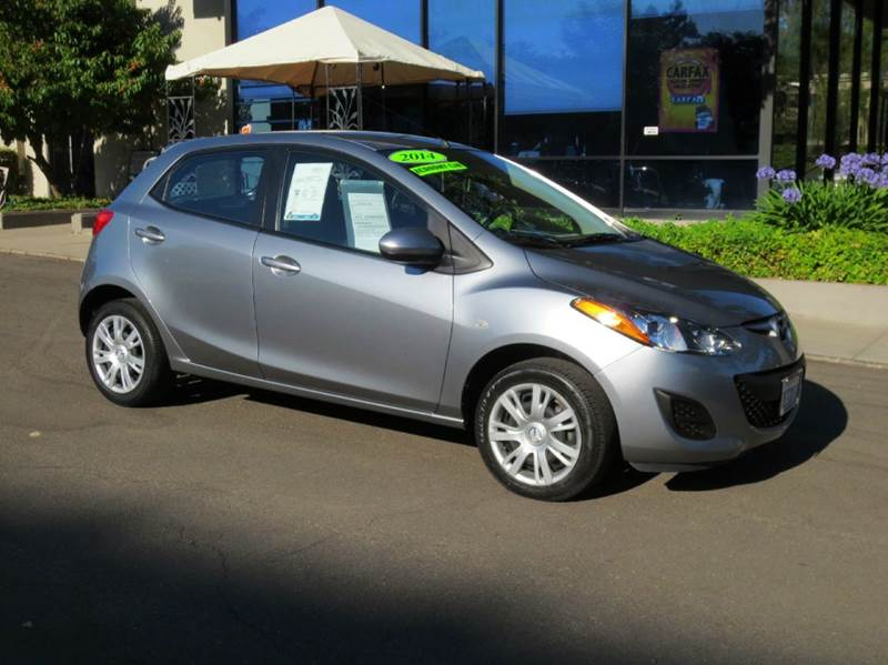 2014 MAZDA MAZDA2 SPORT 4DR HATCHBACK 4A liquid silver this mazda mazda2 looks great with a clean