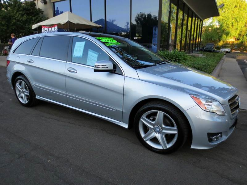 2011 MERCEDES-BENZ R-CLASS R350 AWD 4MATIC 4DR WAGON iridium silver nicely equipped awd with navig