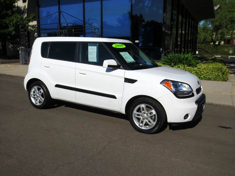 2010 KIA SOUL  4DR WAGON 4A white memorial day sale  sporty compact suv  sharp extra clean