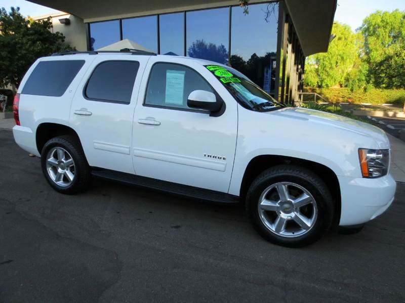 2011 CHEVROLET TAHOE LT 4X2 4DR SUV white nicely equipped with leather 20 wheels 3rd row seatin