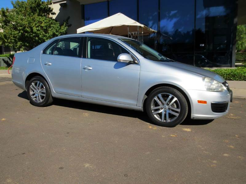 2006 VOLKSWAGEN JETTA 25 PZEV 4DR SEDAN WAUTOMATIC silver simply a must see to appreciate with