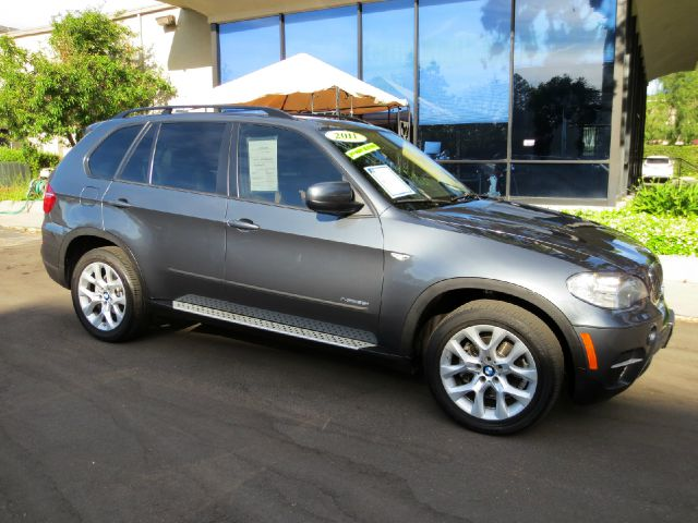 2011 BMW X5 XDRIVE35I PREMIUM AWD 4DR SUV platinum gray met equipped with  dvd system  third