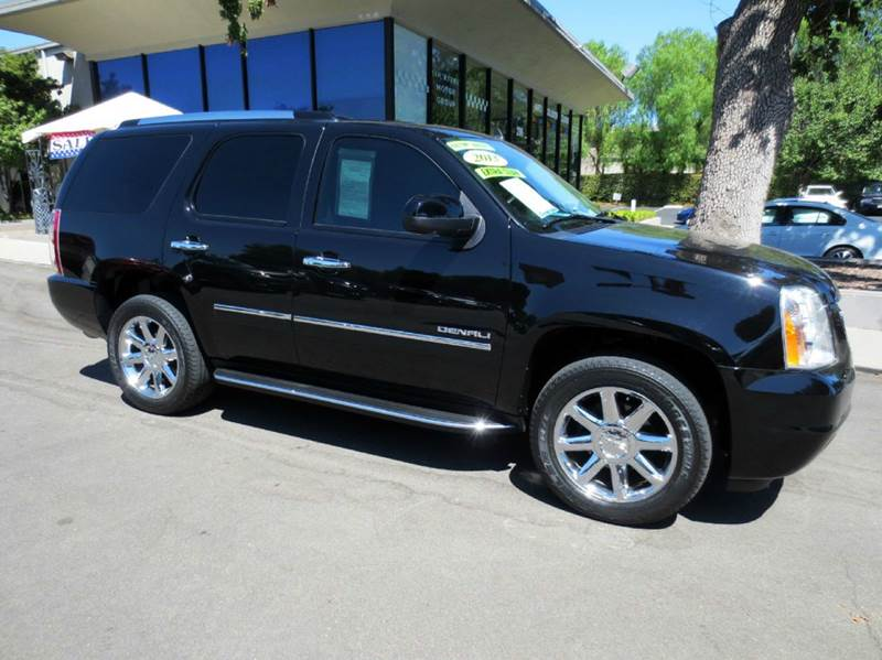 2013 GMC YUKON DENALI AWD 4DR SUV black nicely equipped with navigation  dvd entertainment syste