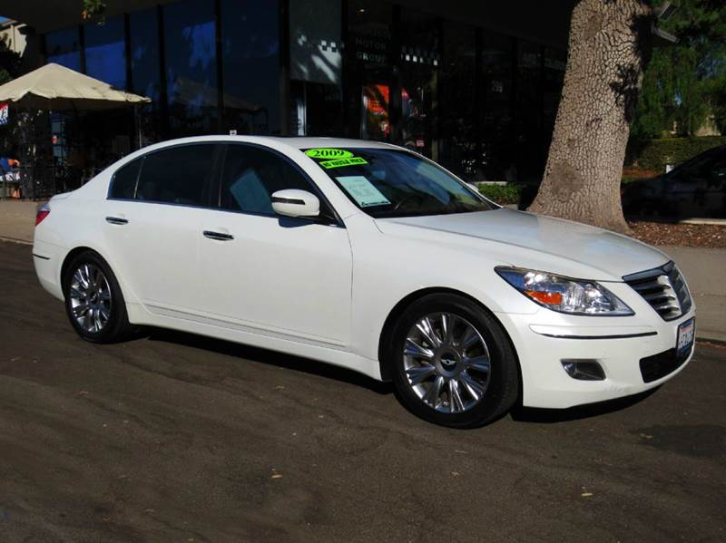 2009 HYUNDAI GENESIS 38L V6 4DR SEDAN white elegantly equipped with navigation moon roof premiu