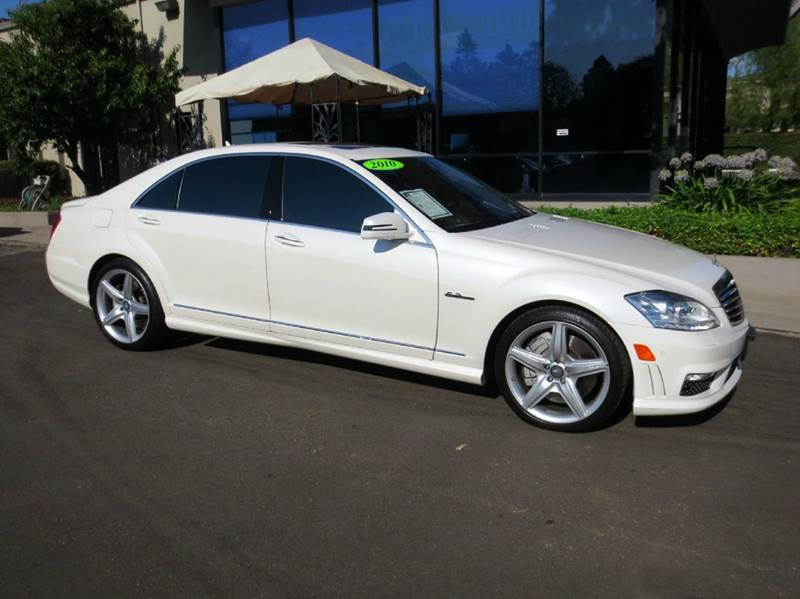 2010 MERCEDES-BENZ S-CLASS S63 AMG 4DR SEDAN diamond white abundantly equipped with  lane keepin
