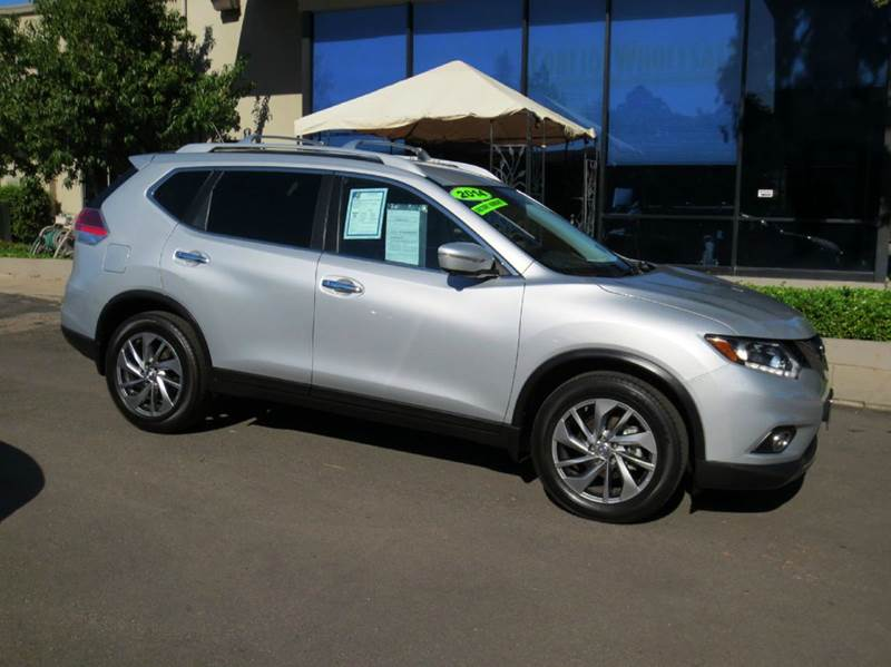 2014 NISSAN ROGUE SL 4DR CROSSOVER silver well equipped with  bose premium sound  navigation