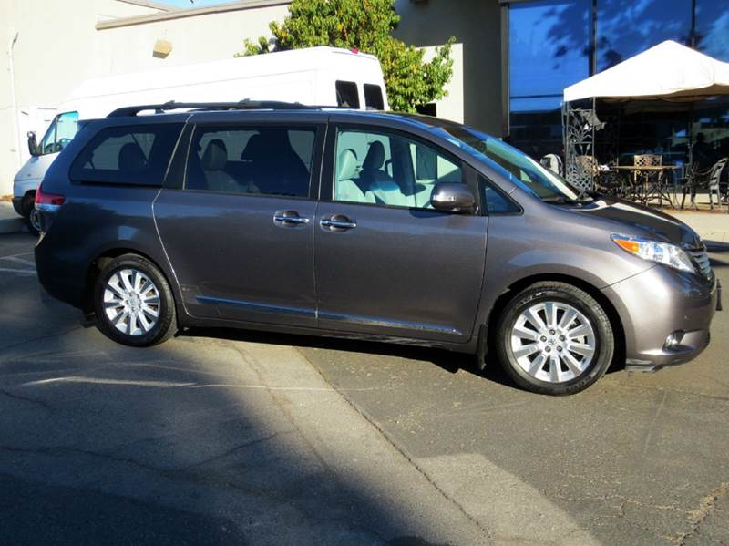 2013 TOYOTA SIENNA LIMITED 7-PASSENGER 4DR MINI VAN gray luxurious state of the art navigation sy