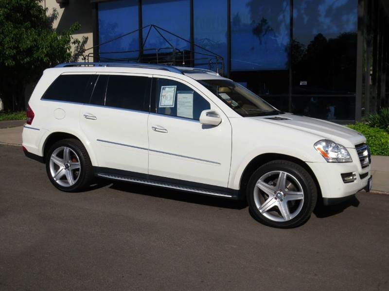 2010 MERCEDES-BENZ GL-CLASS GL550 4MATIC AWD 4DR SUV white simply elegant and affordable all whee