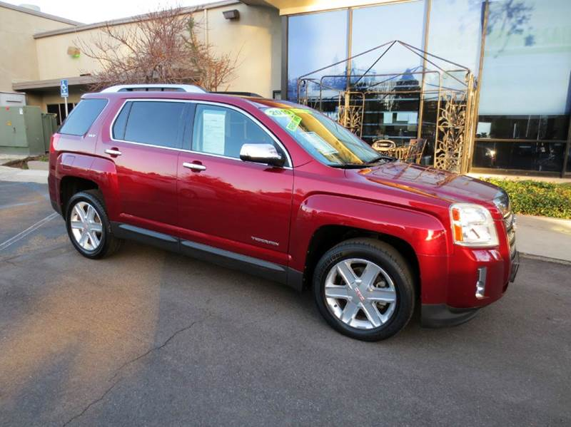 2010 GMC TERRAIN SLT-2 4DR SUV red look no more luxurious and fuel efficient rated at 2232 mpg