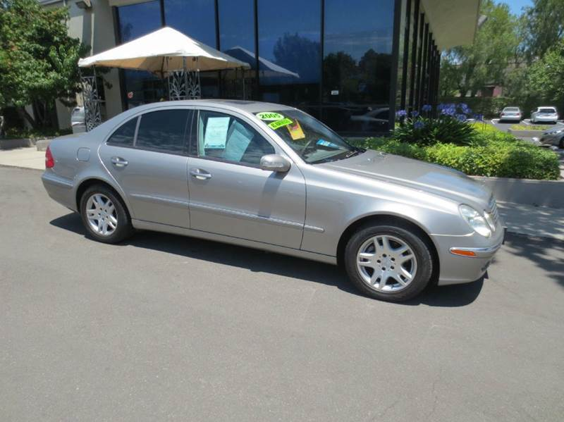 2005 MERCEDES-BENZ E-CLASS E320 4DR SEDAN desert silver nicely equipped with moon roof leather