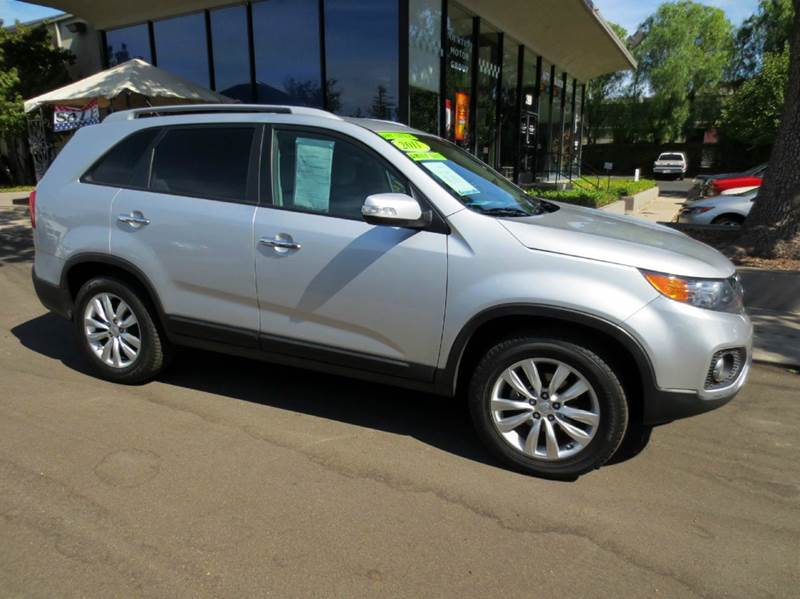 2011 KIA SORENTO LX 4DR SUV V6 silver  extra clean sporty  no accidents v-6 3rd row seati