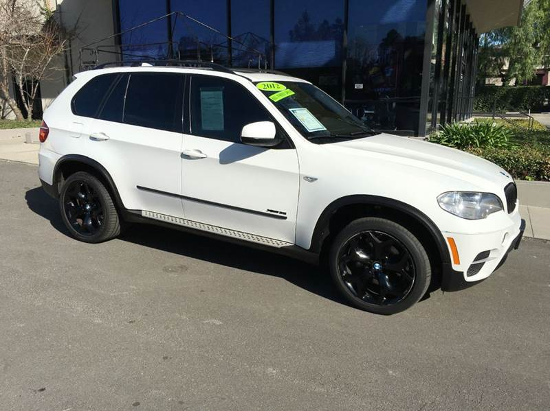 2012 BMW X5 XDRIVE35I SPORT ACTIVITY AWD 4DR white simply elegant sport pkg  navigation with re
