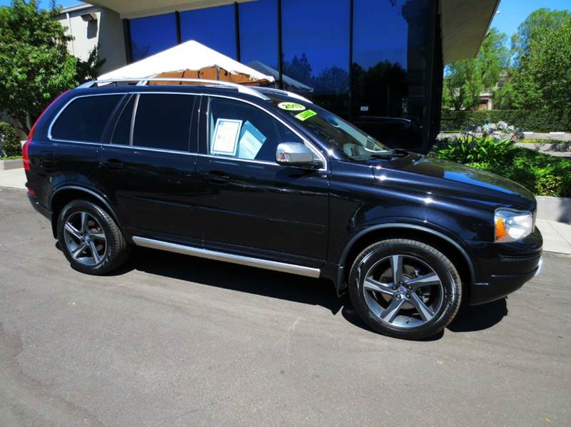 2013 VOLVO XC90 32 R-DESIGN PLATINUM AWD 4DSUV black nicely equipped platinum awd  with navigatio