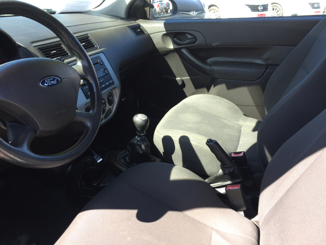 2006 Ford Focus ZX3 S 2dr Hatchback - Clovis CA