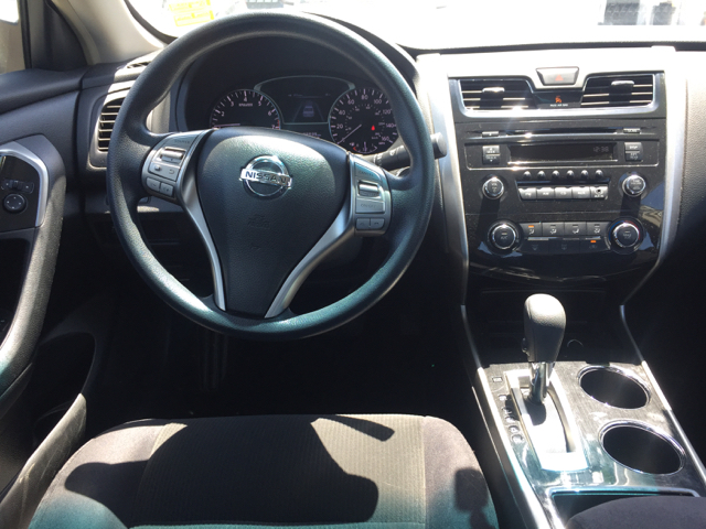 2013 Nissan Altima 2.5 S 4dr Sedan - Clovis CA