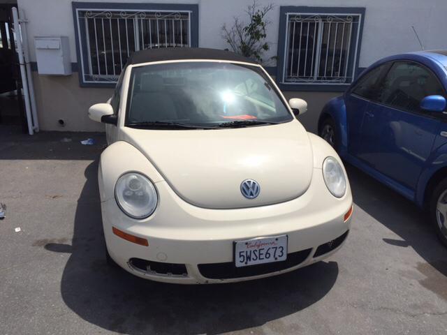 2006 Volkswagen New Beetle 2.5 PZEV 2dr Convertible (2.5L I5 5M) - Oxnard CA