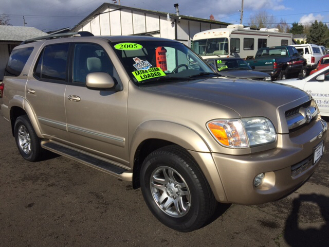 2005 toyota sequoia sr5 4wd 4dr suv in lafayette or