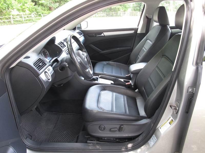 2012 Volkswagen Passat SE PZEV 4dr Sedan 6A - Stanley NC