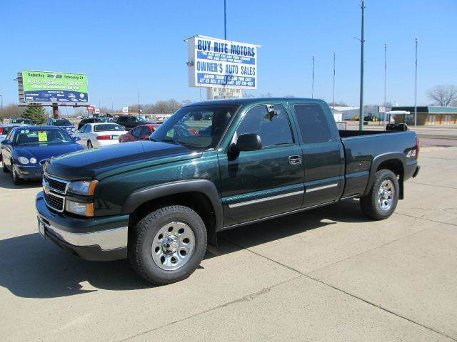 2006 chevrolet silverado 1500 lt1 4dr extended cab 4wd 6 5 ft sb in fairmont armstrong ceylon. Black Bedroom Furniture Sets. Home Design Ideas