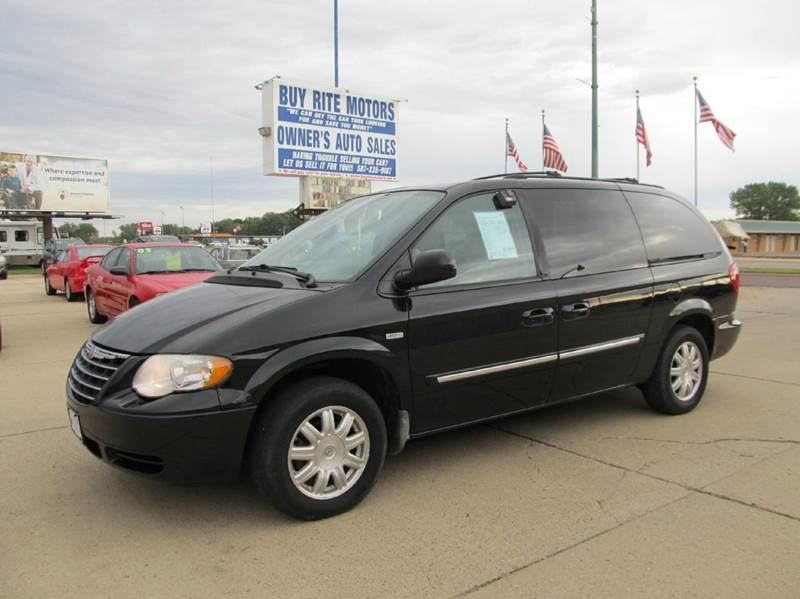 2006 chrysler town and country touring 4dr extended mini van in fairmont mn buy rite motors. Black Bedroom Furniture Sets. Home Design Ideas