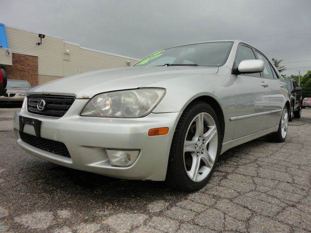 2003 LEXUS IS 300 BASE 4DR SEDAN silver  one owner lexus  looking for a well priced sporty car