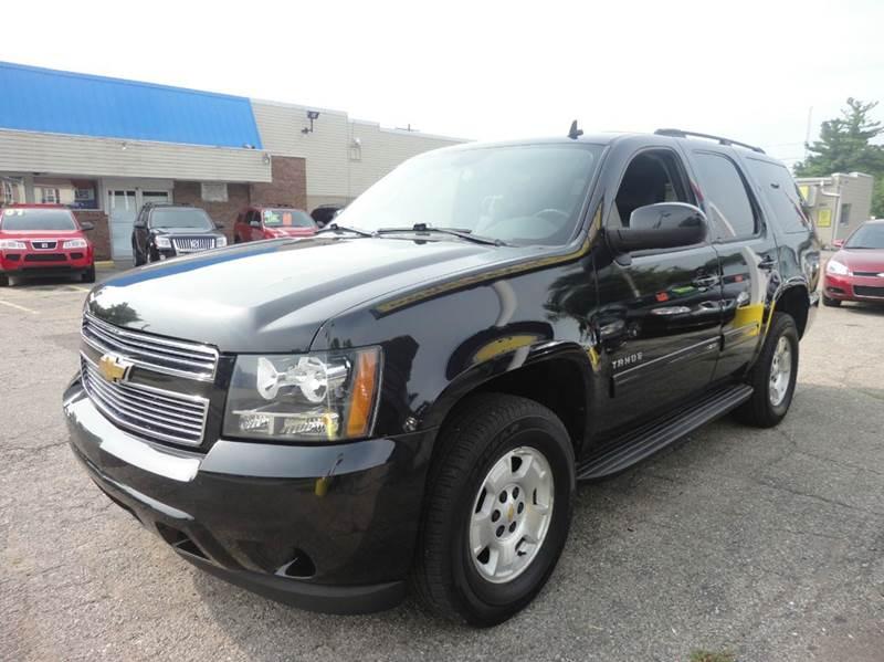 2010 CHEVROLET TAHOE LS 4X4 4DR SUV black  beautiful  2010 chevy tahoe ls 4wd - black beauty wit