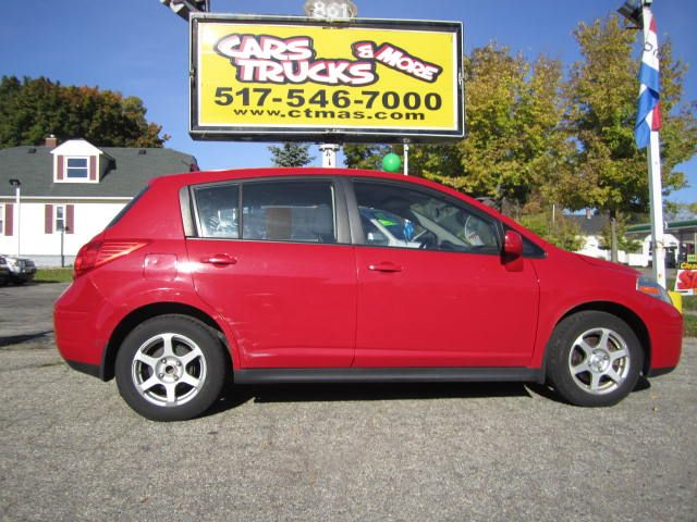 2007 NISSAN VERSA 18 S 4DR HATCHBACK 18L I4 4A red sporty 2007 nissan versa hatchback only 80