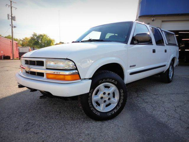2003 CHEVROLET S-10 LS CREW CAB 4WD white one owner no accident versatile budget pickup truck