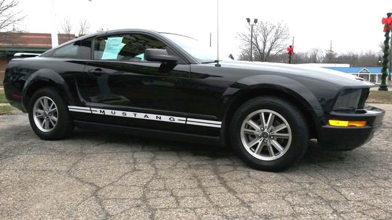2005 ford mustang v6 deluxe 2dr coupe in howell mi cars trucks more. Black Bedroom Furniture Sets. Home Design Ideas