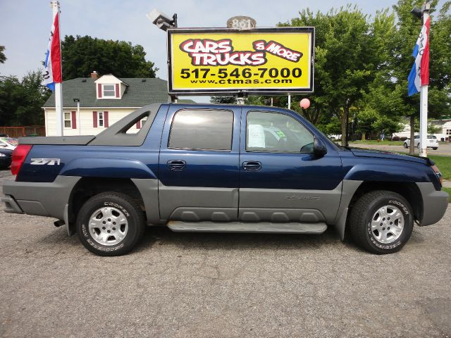 2002 CHEVROLET AVALANCHE 1500 4DR CREW CAB 4WD blue  one owner  clean autocheck report meticu