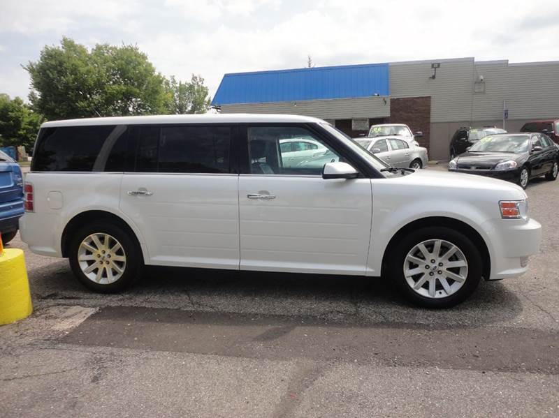2009 FORD FLEX SEL CROSSOVER 4DR white  2009 ford flex  sel with just over 80k miles  abs - 4-