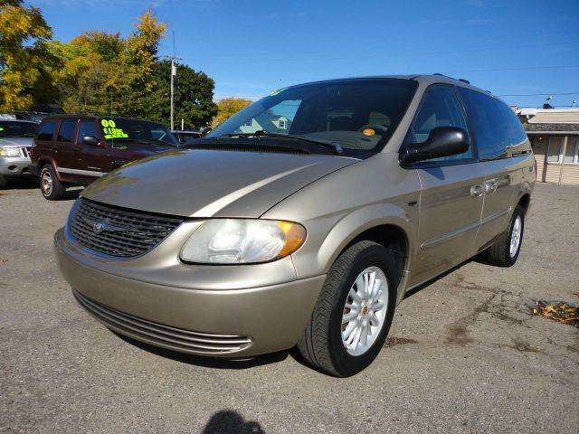 2002 CHRYSLER TOWN AND COUNTRY EX EXTENDED MINI VAN gold 2002 chrysler town and country ex third