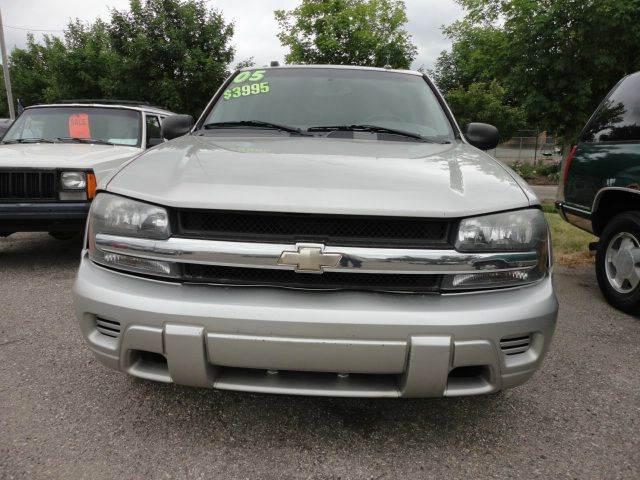 2005 CHEVROLET TRAILBLAZER LS 4DR SUV silver 2005 chevrolet trailblazer   abs - 4-wheel axle r