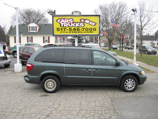 2002 CHRYSLER TOWN  COUNTRY LX green perfect for the family this is a well equipped 2002 chrysle
