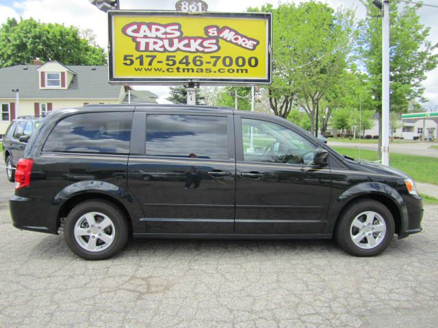 2013 DODGE GRAND CARAVAN SXT black straight from sunny florida - this nice and clean and like new