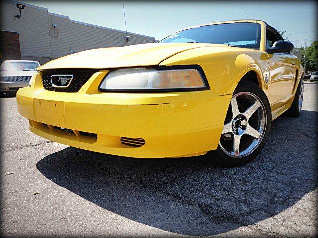 1999 FORD MUSTANG BASE 2DR CONVERTIBLE bumble yellow budget convertible priced to move 1999 for
