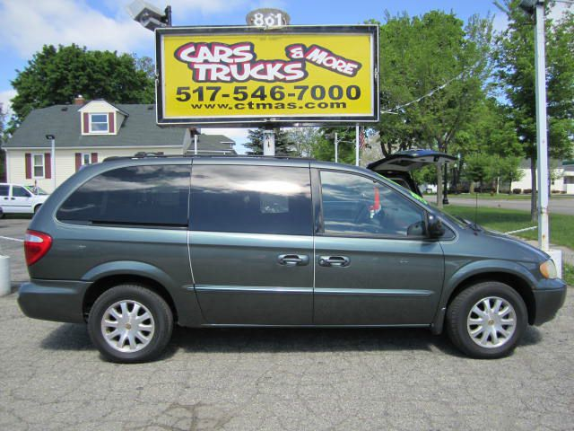 2002 CHRYSLER TOWN AND COUNTRY LX green perfect for the family this is a well equipped 2002 chrys