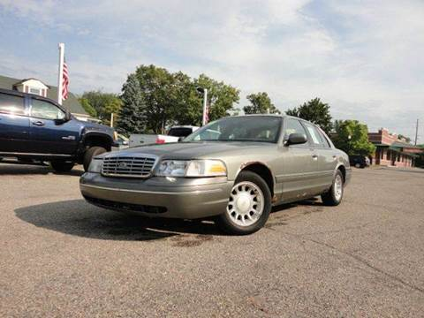 2000 Ford Crown Victoria for sale in Howell, MI