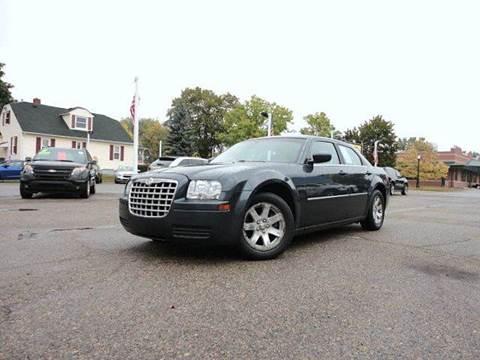 2007 Chrysler 300 for sale in Howell, MI