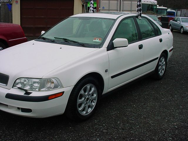 2001 Volvo S40
