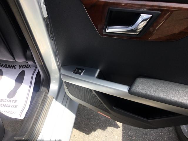 2010 Mercedes-Benz GLK GLK 350 4MATIC AWD 4dr SUV - Worcester MA