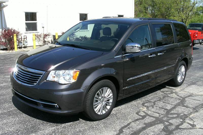 2015 Chrysler Town and Country Touring-L 4dr Mini-Van - Middlebury IN