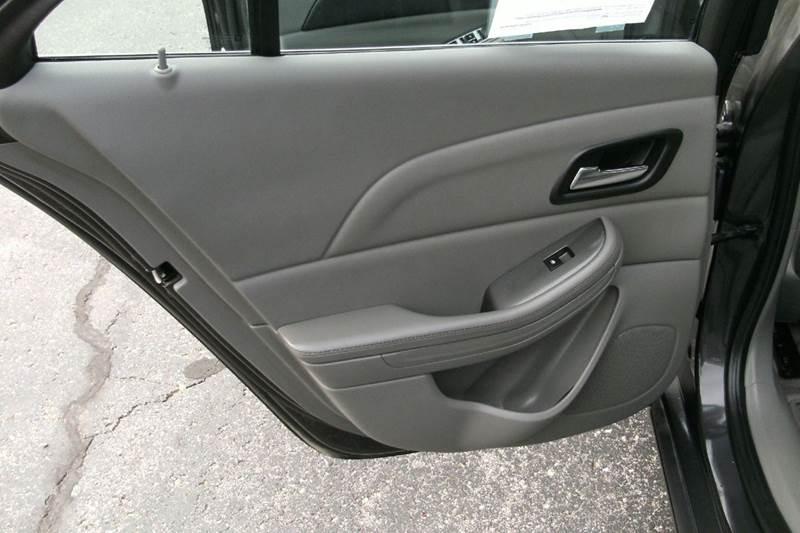 2013 Chevrolet Malibu LS 4dr Sedan - Middlebury IN
